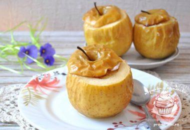 Яблоки запеченные с творогом в духовке