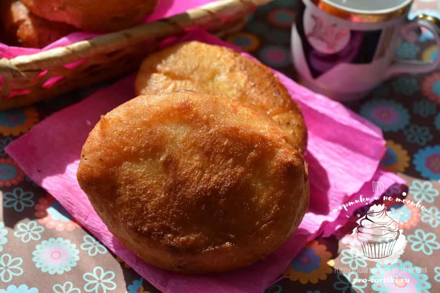 жареные пирожки со сливами
