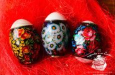 Как наклеивать термонаклейки на яйца к Пасхе — пошаговая инструкция