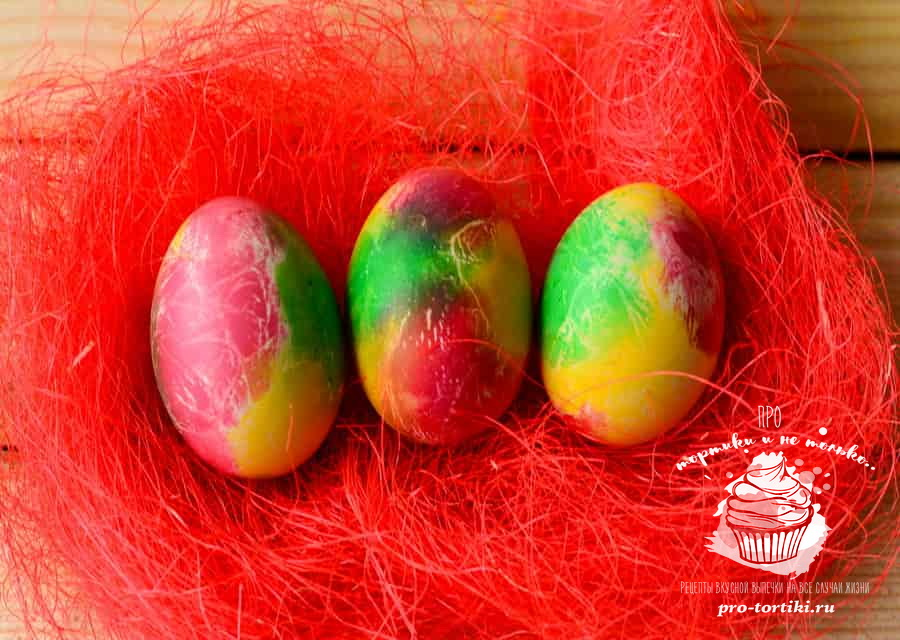как покрасить яйца салфетками на Пасху
